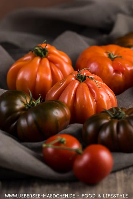 Fleischtomaten machen Tomaten-Brot-Salat noch besser Panzanella Rezept von ÜberSee-Mädchen Foodblog vom Bodensee