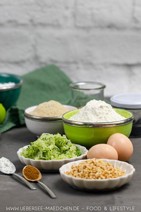 Zutaten zum Backen mit Gemüse Zucchini-Cupcakes Rezept von ÜberSee-Mädchen