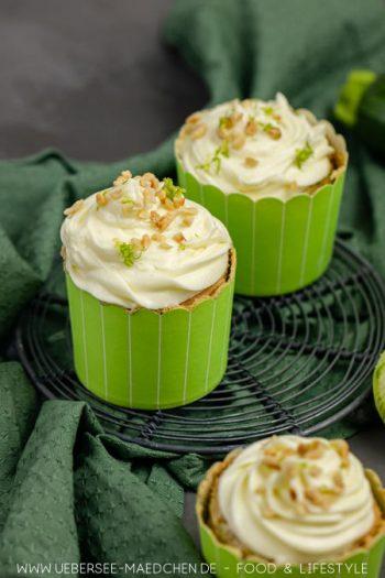 Zucchini-Cupcakes mit Limetten-Creme zum Backen mit Gemüse Rezept von ÜberSee-Mädchen Foodblog vom Bodensee