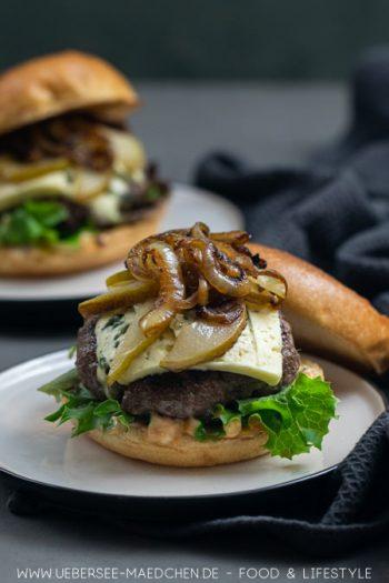 Burger mit Gorgonzola und Birne kombinieren salzig und süß Rezept von ÜberSee-Mädchen Foodblog vom Bodensee
