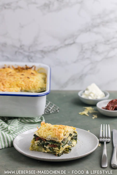 Vegetarische Lasagne mit Spinat Feta getrockneten Tomaten und Gouda Rezept von ÜberSee-Mädchen