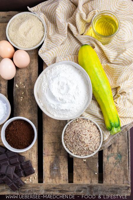 Zutaten für Schoko-Kuchen mit Zucchini Rezept