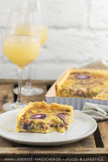Schwäbischer Zwiebelkuchen ohne Hefeteig mit Zwiebeln und Speck einfaches Rezept mit Mürbeteig von ÜberSee-Mädchen Foodblog vom Bodensee Konstanz