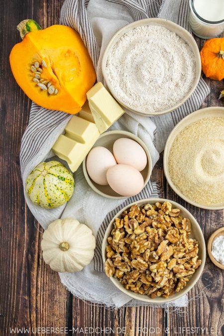 Alle Zutaten für einen Kürbiskuchen Walnüsse Zucker Mehl Eier Rezept von ÜberSee-Mädchen