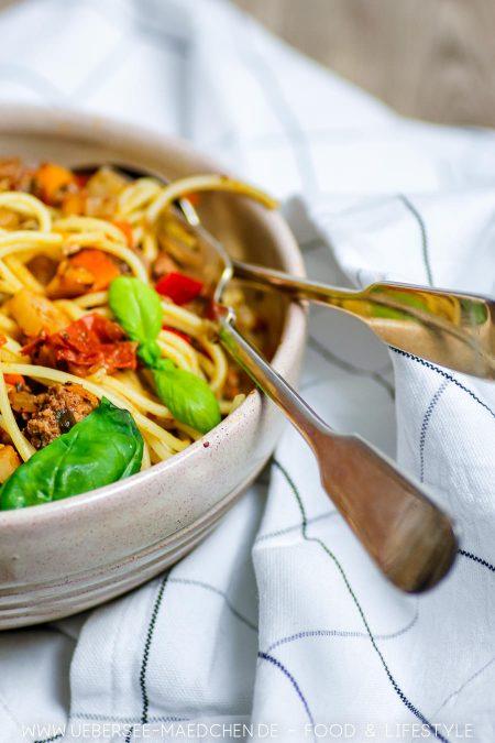 Spaghetti Bolognese schmeckt besser mit viel Gemüse