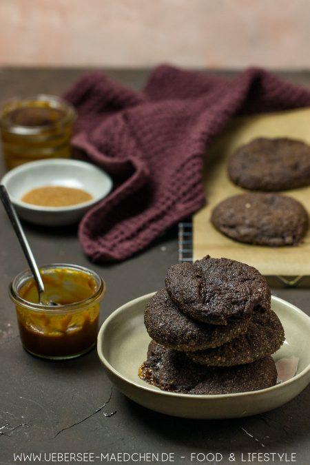 Schoko-Cookies mit Karamellkern Dulce de leche Rezept von ÜberSee-Mädchen Foodblog vom Bodensee9