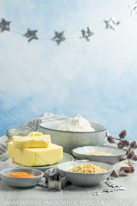 Zutaten für einfache Butterplätzchen mit Wein Mandeln nach Familienrezept