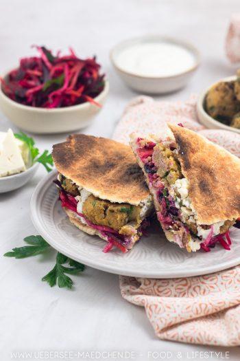 Falafel-Sandwich mit Salat Joghurtsauce Rezept von ÜberSee-Mädchen