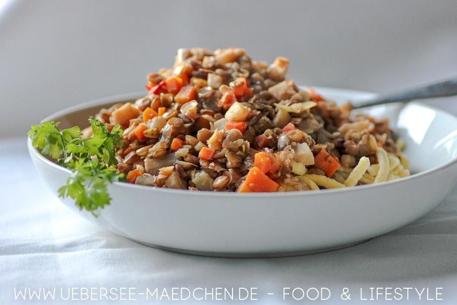 Linsen mit Spätzle mit Suppengrün und Essig auch vegetarisch Rezept von ÜberSee-Mädchen Foodblog vom Bodensee