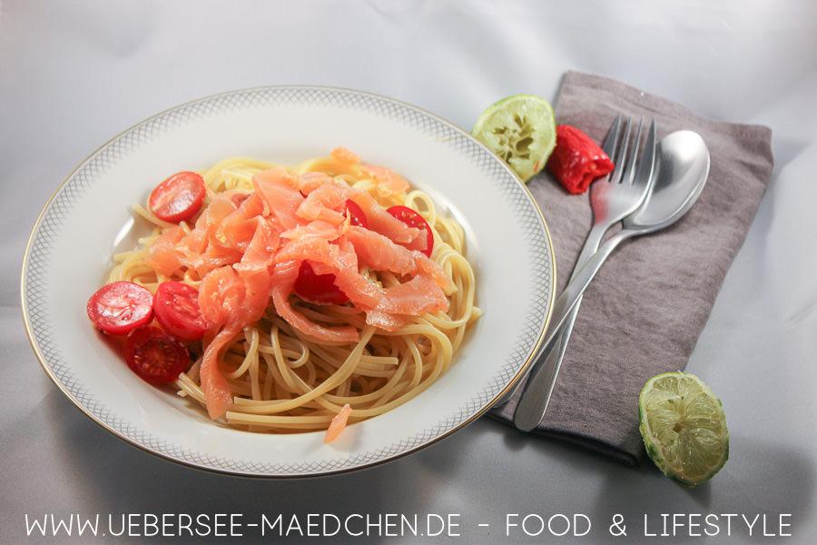 Pasta mit Sahnesauce mit Räucherlachs nach einem einfachen Rezept von ÜberSee-Mädchen der Foodblog vom Bodensee