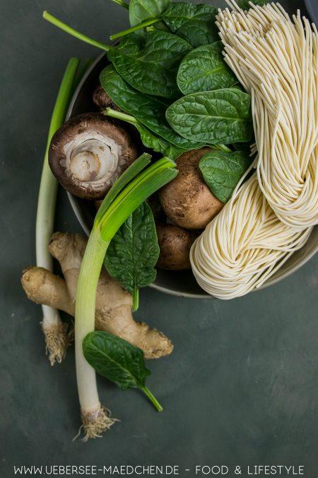 Die vegetarischen Zutaten für Ramen-Suppe nach Stevan Paul. Dazu kommt noch Ente
