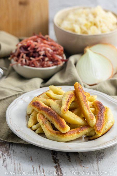 Drei, vier Zutaten ergeben ein leckeres Abendessen zum Feierabend: Schupfnudeln mit Sauerkraut