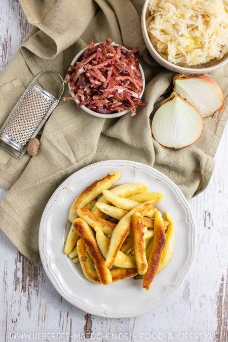 Zutaten für Schupfnudeln mit Sauerkraut und Speck