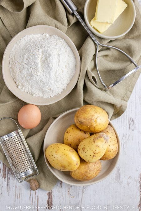 Wenige Zutaten für schwäbische Schupfnudeln Rezept