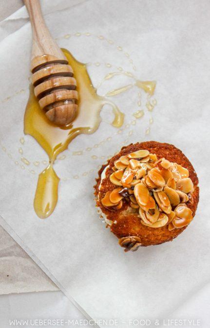 Ein Cupcake á la Bienenstich mit Mandelknusper Rezept
