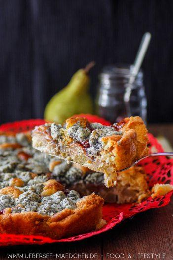 Birnenkuchen mit Preiselbeeren Mohnstreuseln Rezept von ÜberSee-Mädchen Foodblog vom Bodensee