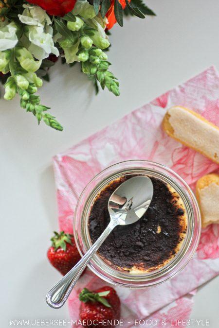Tiramisu mit Erdbeeren Mascarpone Quark Rezept von ÜberSee-Mädchen Foodblog vom Bodensee