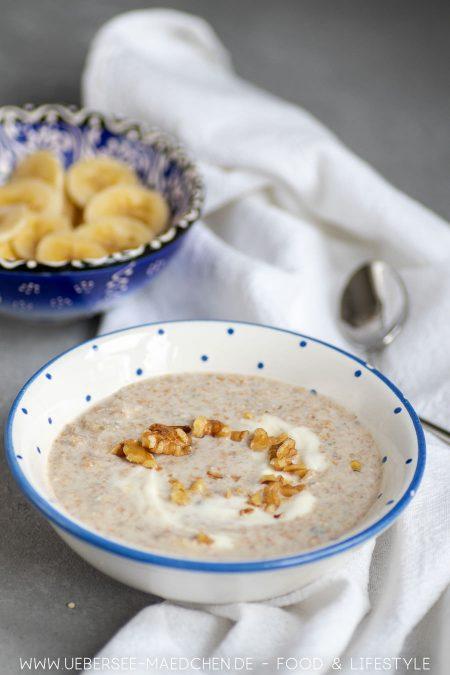 Müsli aus Körnern über Nacht mit Joghurt Banane Nüssen Rezept von ÜberSee-Mädchen Foodblog