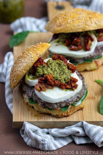 Mediterraner Burger mit Pesto Rezept von ÜberSee-Mädchen Foodblog vom Bodensee