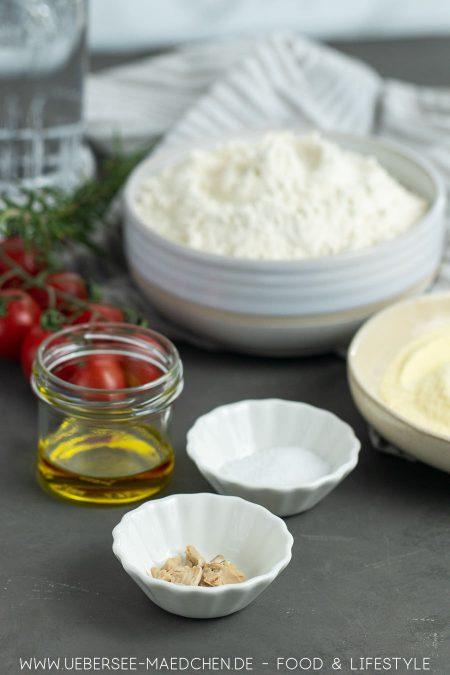 Zutaten für Focaccia mit Tomaten