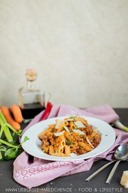 Jools Pasta nach Jamie Oliver Rezept mit Brät Staudensellerie Karotte