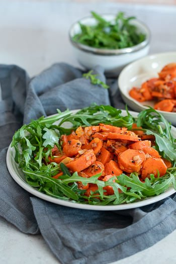 Karottensalat orientalisch mit Harissa Rezept von ÜberSee-Mädchen Foodblog vom Bodensee Titel