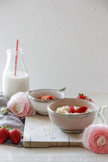 Milchreis mit Erdbeer-Rhabarber-Kompott einfaches Rezept