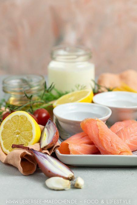 Zutaten für Nudeln mit würziger Sahnesauce mit Räucherlachs
