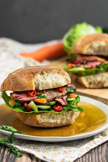 Roastbeef-Sandwich vietnamesisch mit Erdnusscreme Rezept von ÜberSee-Mädchen Foodblog vom Bodensee