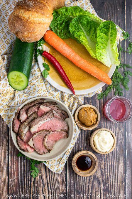 Alle Zutaten für Asia Sandwich mit Roastbeef Gemüse und Erdnussbutter-Sauce Rezept