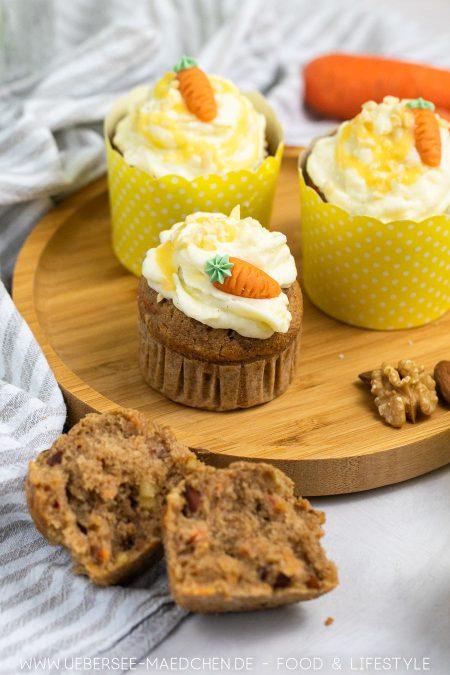 Ein Rübli-Muffin mit Frischkäse-Topping Rezept zu Ostern