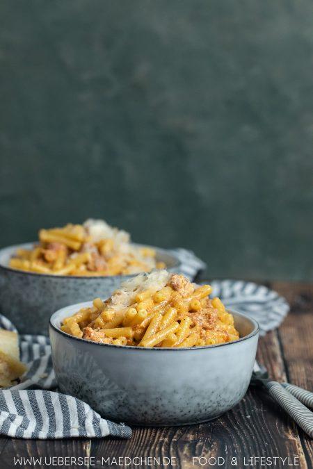 Einfach und reichhaltig: Rezept für Pasta mit Weinbrand Salsiccia Sahnesauce aus Pasta-Codex