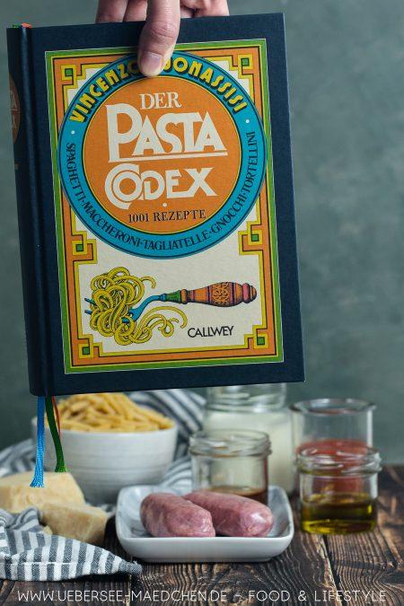 Rezension zum Kochbuch Pasta-Codex mit Rezept für betrunkene Pasta