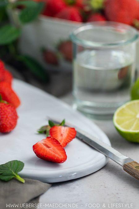 Erdbeeren erst schneiden dann pürieren für Daiquiri