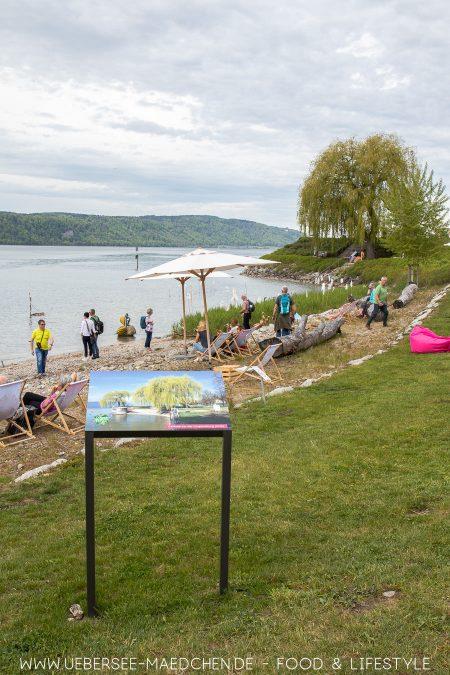 Schilder zeigen, wie der Uferpark davor aussah