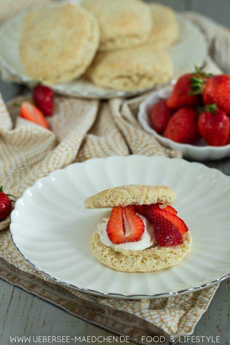 Scones brauchen nur fünf Zutaten und Mascarpone Erdbeeren