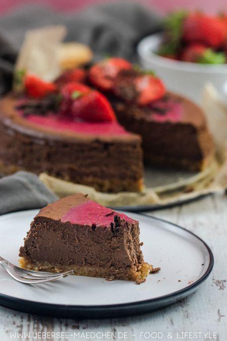 Ein Kuchenstück Schoko-Cheesecake Rezept