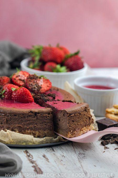 Schoko-Cheesecake macht Käsekuchen schokoladig mit Frucht Rezept von ÜberSee-Mädchen Foodblog vom Bodensee