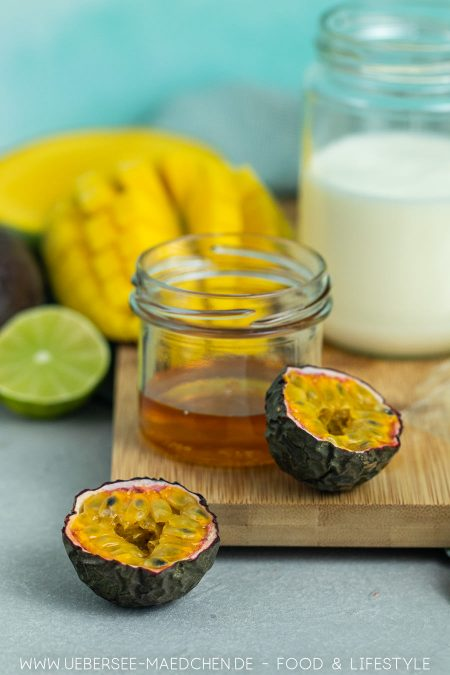 Dank Honig kommt die Mangocreme ohne Zucker aus