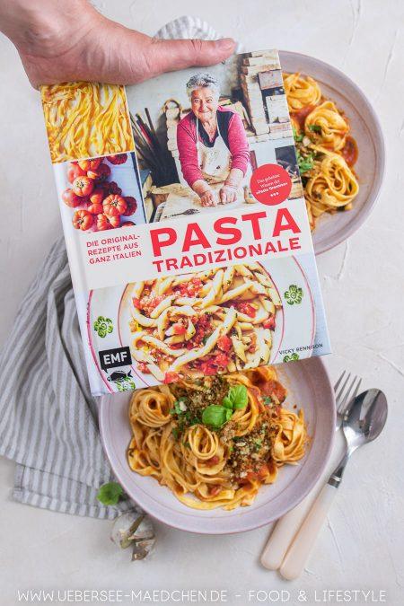 Rezension des Kochbuchs Pasta Grannies aus dem EMF-Verlag