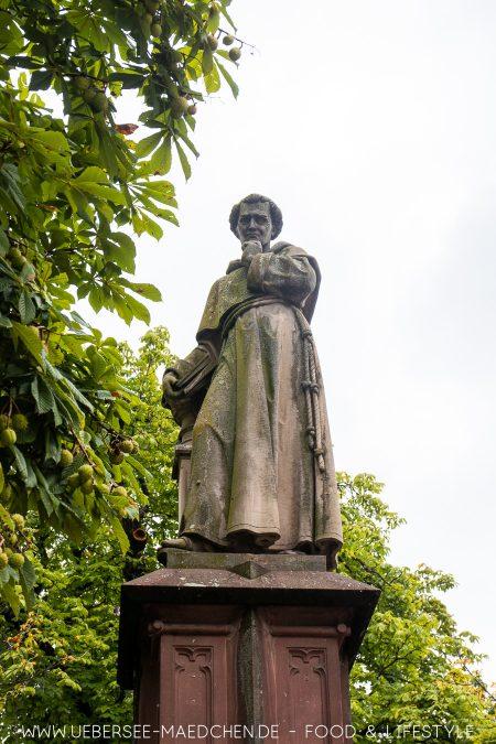 Denkmal nahe des Rathaus in Freiburg Berthold Schwarz
