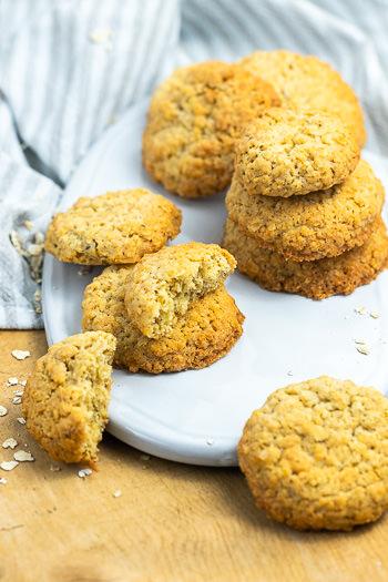 Schwedische Haferflocken-Kekse aus wenigen Zutaten Rezept von ÜberSee-Mädchen Foodblog vom Bodensee Titel